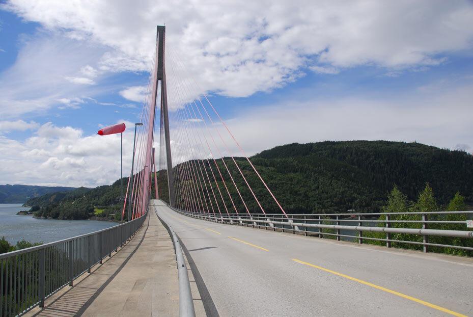 Skarnsund Bridge Bruecken Boden versiegeln reinigen controll deepclean partner SALP Construction Deutschland